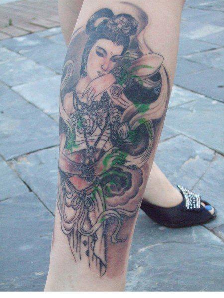 我腿上的纹身图片